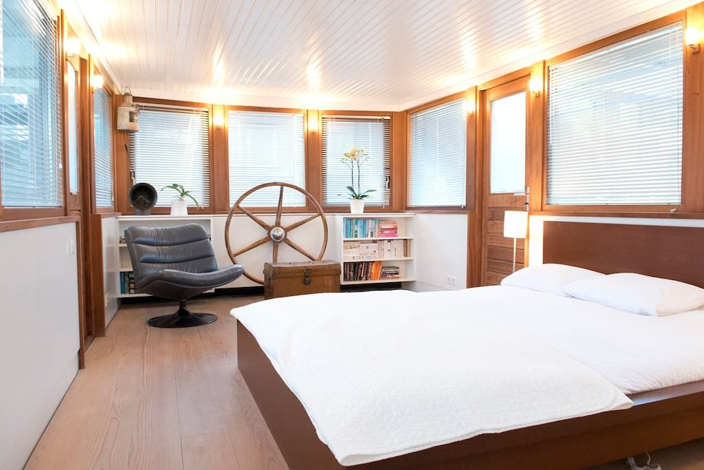 bed & boat-amsterdam-barca