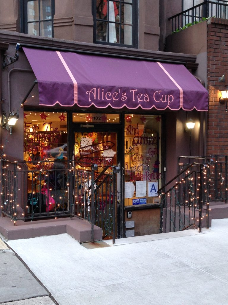 sala da tè Alice's Tea Cup a New York-upper-east-side
