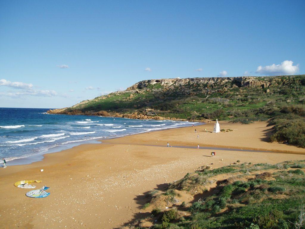 Ramla Bay-spiaggia-rossa-isola-Gozo-vacanza a Malta