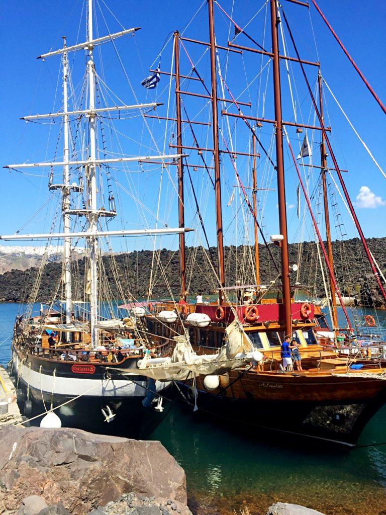 barca-escursione-santorini
