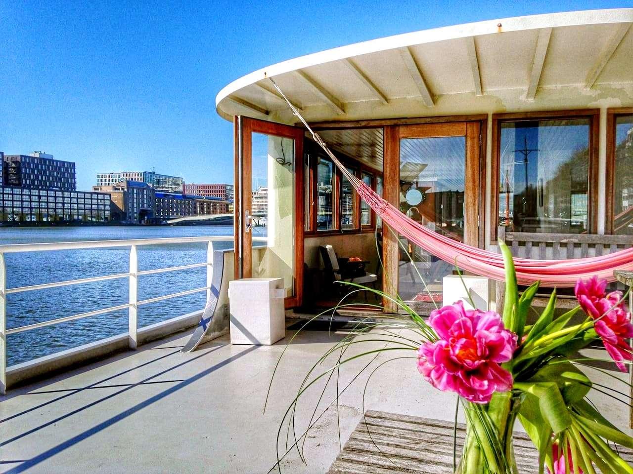 copertina-bed-&-boat-amsterdam