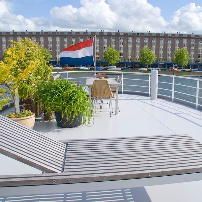 bed & boat-amsterdam-ponte