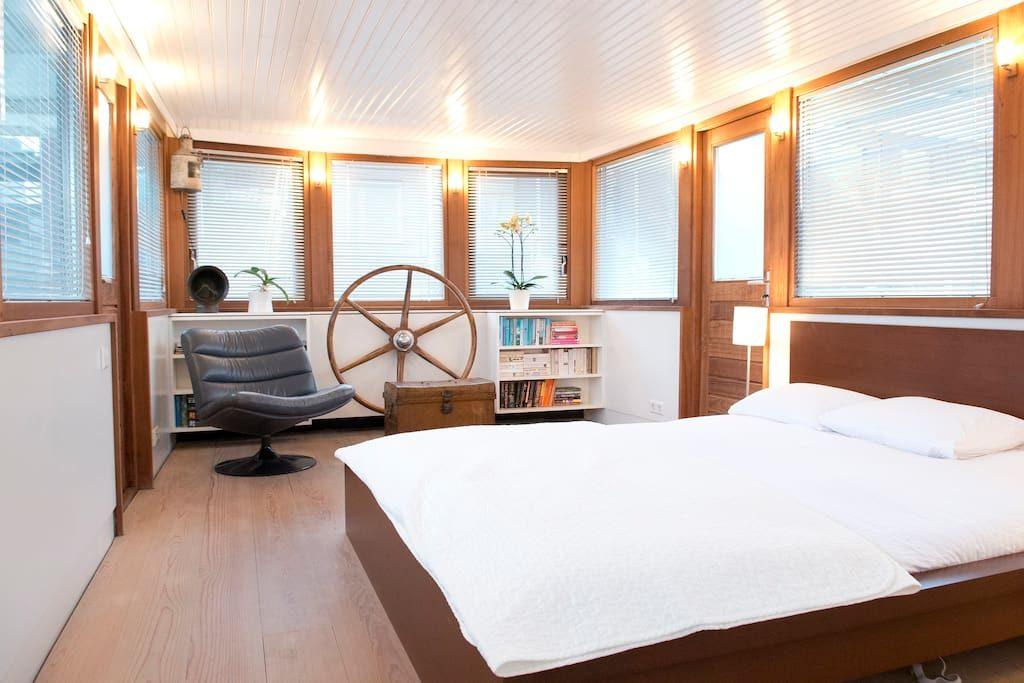 bed & boat-amsterdam-barca