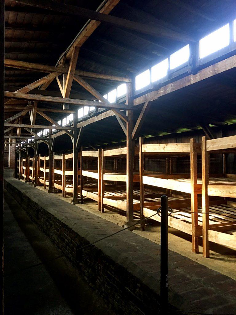 visita ai campi di concentramento di Auschwitz e Birkenau-dormitori