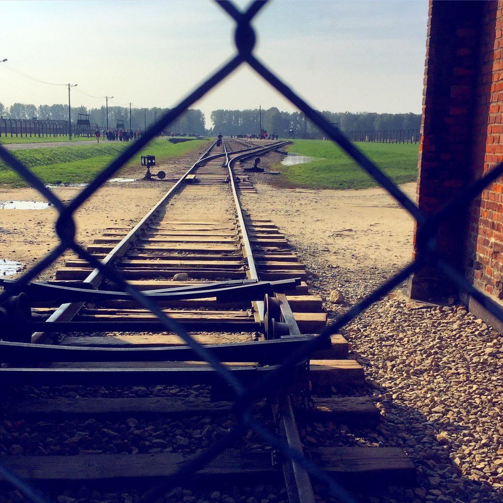 visita ai campi di concentramento di Auschwitz e Birkenau-ferrovia