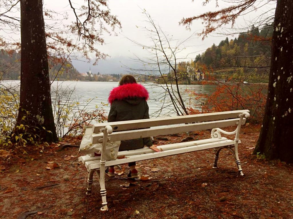 two days on lake bled-bench-on-the-path-around-the-lake