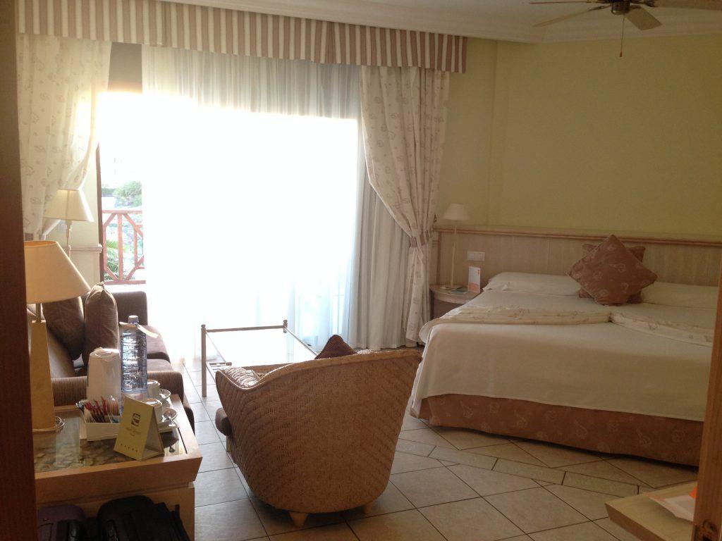 soggiorno cinque stelle al resort Gran Castillo a Lanzarote-camera