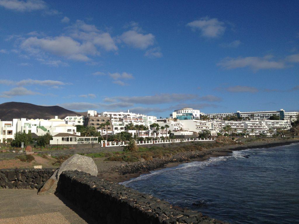 soggiorno cinque stelle al resort Gran Castillo a Lanzarote-lungomare