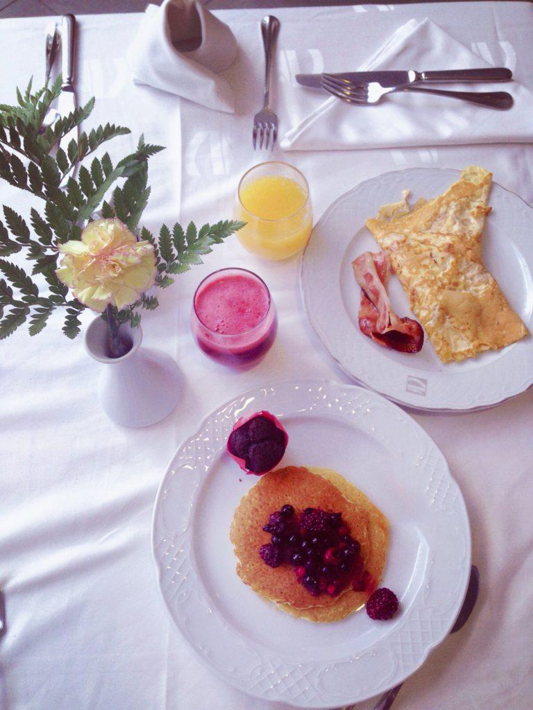 soggiorno cinque stelle al resort Gran Castillo a Lanzarote-colazione