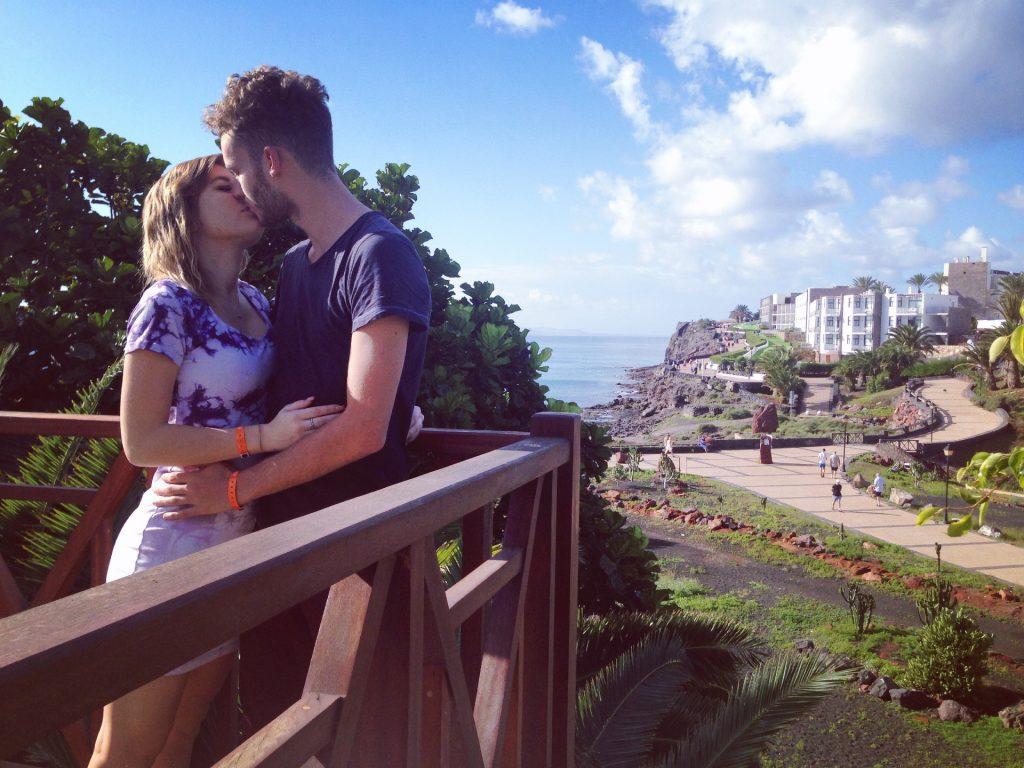 soggiorno cinque stelle al resort Gran Castillo a Lanzarote-balcone