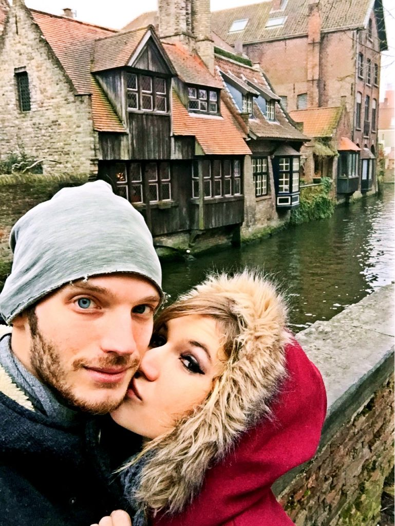 7 cose da fare a Bruges in un giorno-bacio-canali-bruges