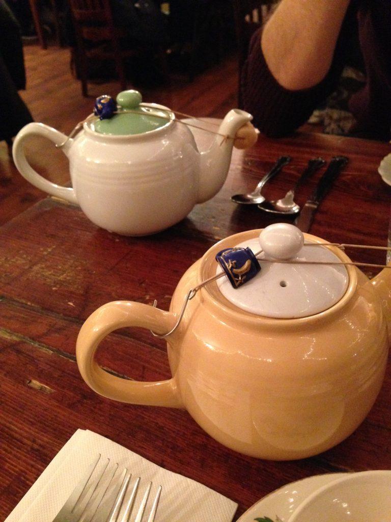 sala da tè Alice's Tea Cup a New York-teiera