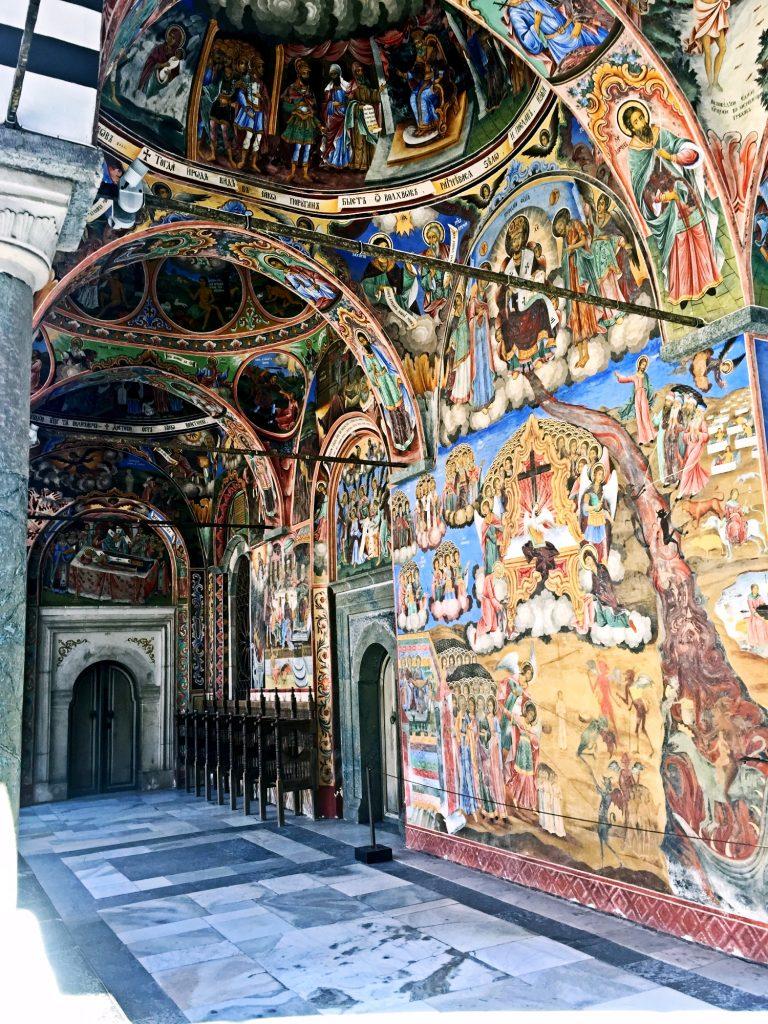monastero di rila-portico-monastero-con-affreschi