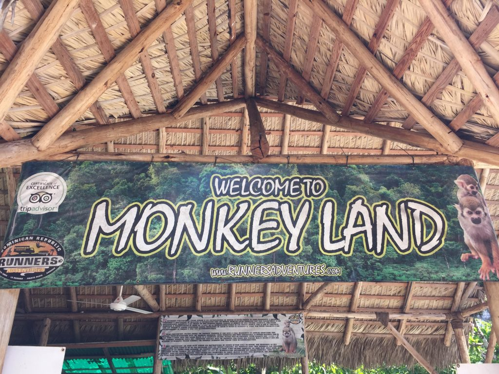 monkeyland a punta cana-insegna-monkeyland