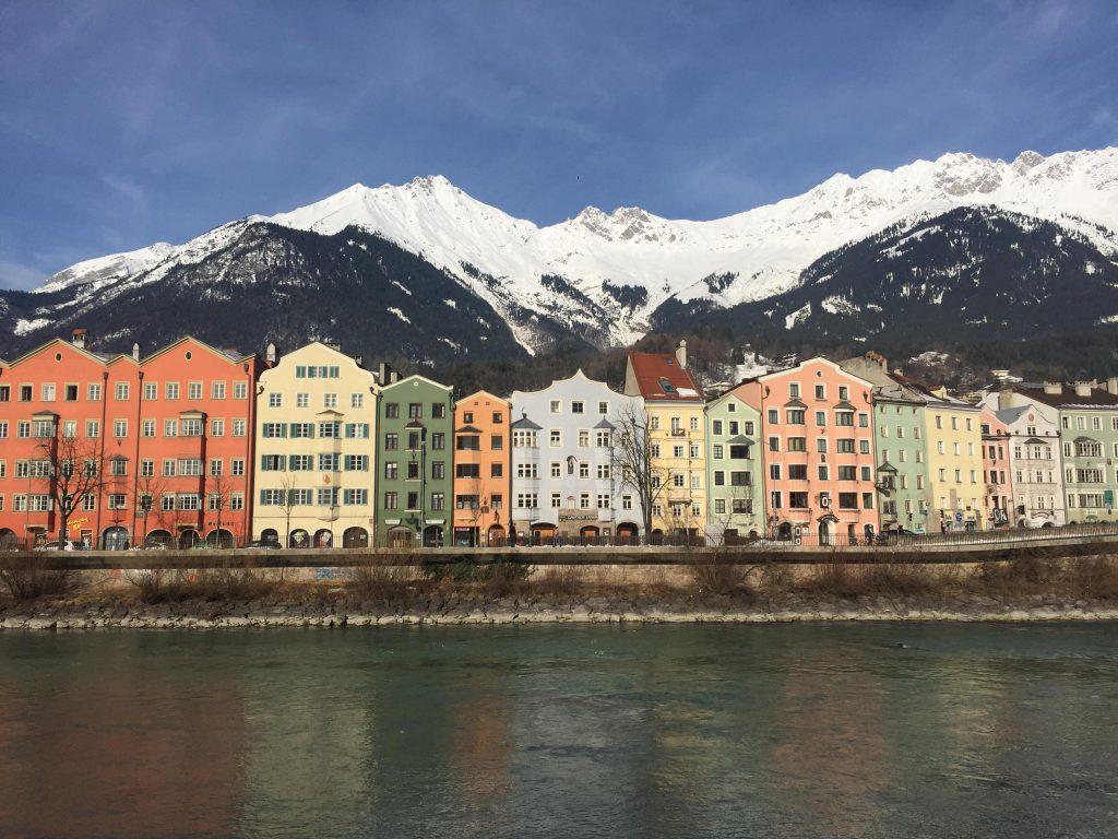 cosa fare a Innsbruck in un giorno-casette-sul-fiume