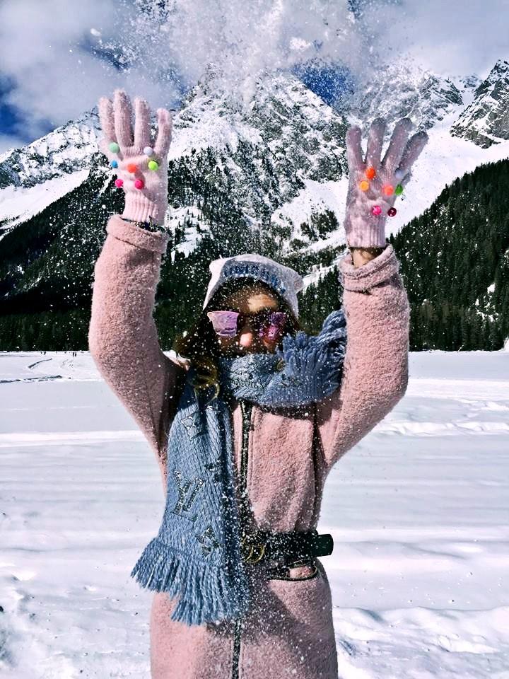come vestirsi in montagna d'inverno-look