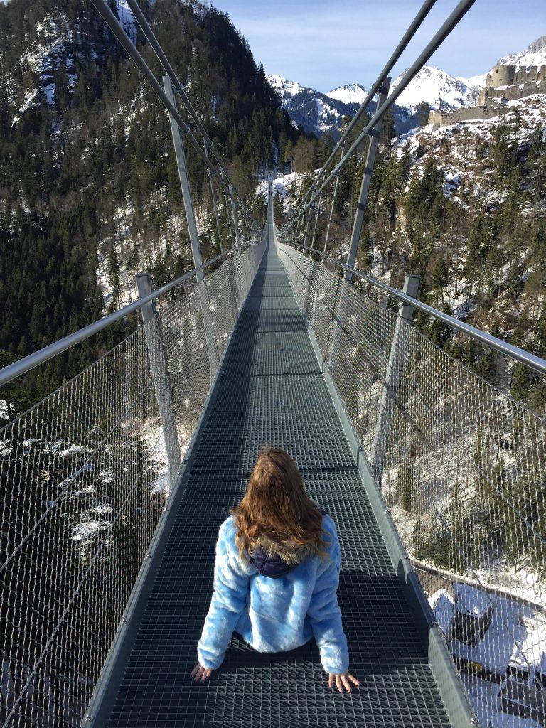 ponte sospeso più lungo al mondo-sara-sul-ponte