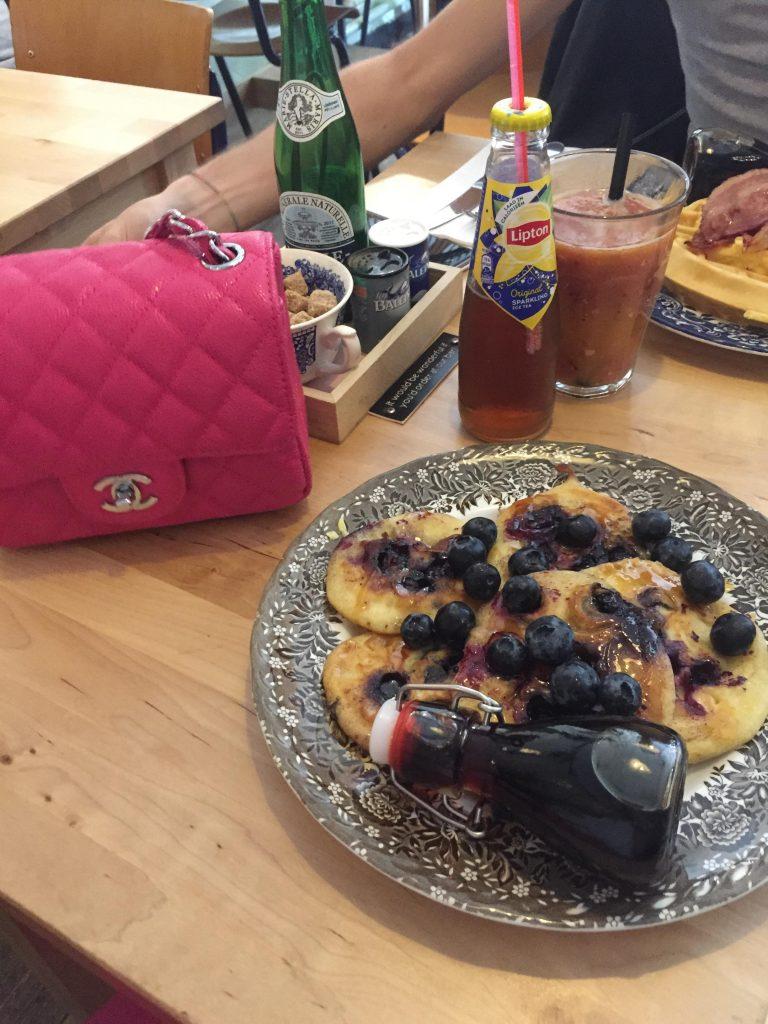 eindhoven in due giorni-pancakes-mirtilli