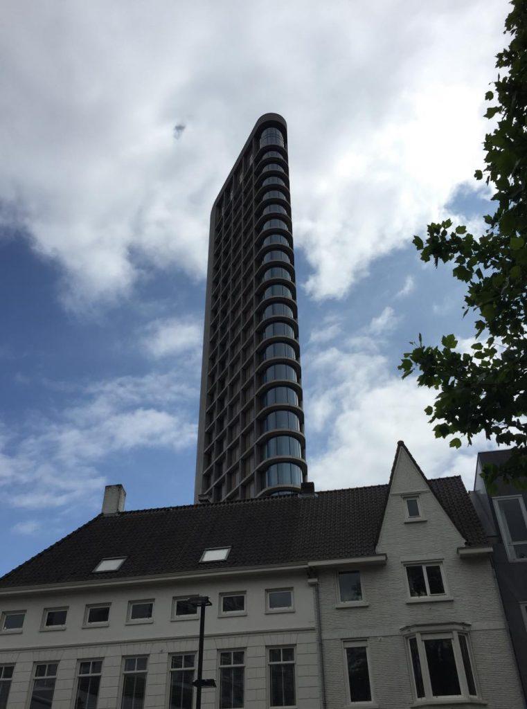 eindhoven in due giorni-grattacielo