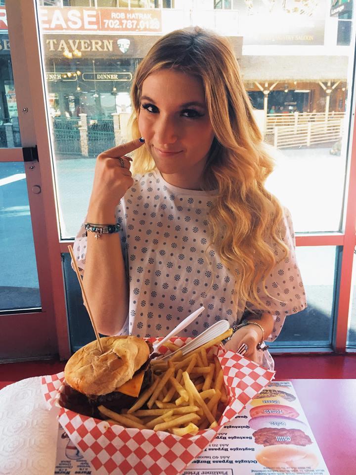 10 cose più insolite da fare solo a Las Vegas-heart-attack-grill