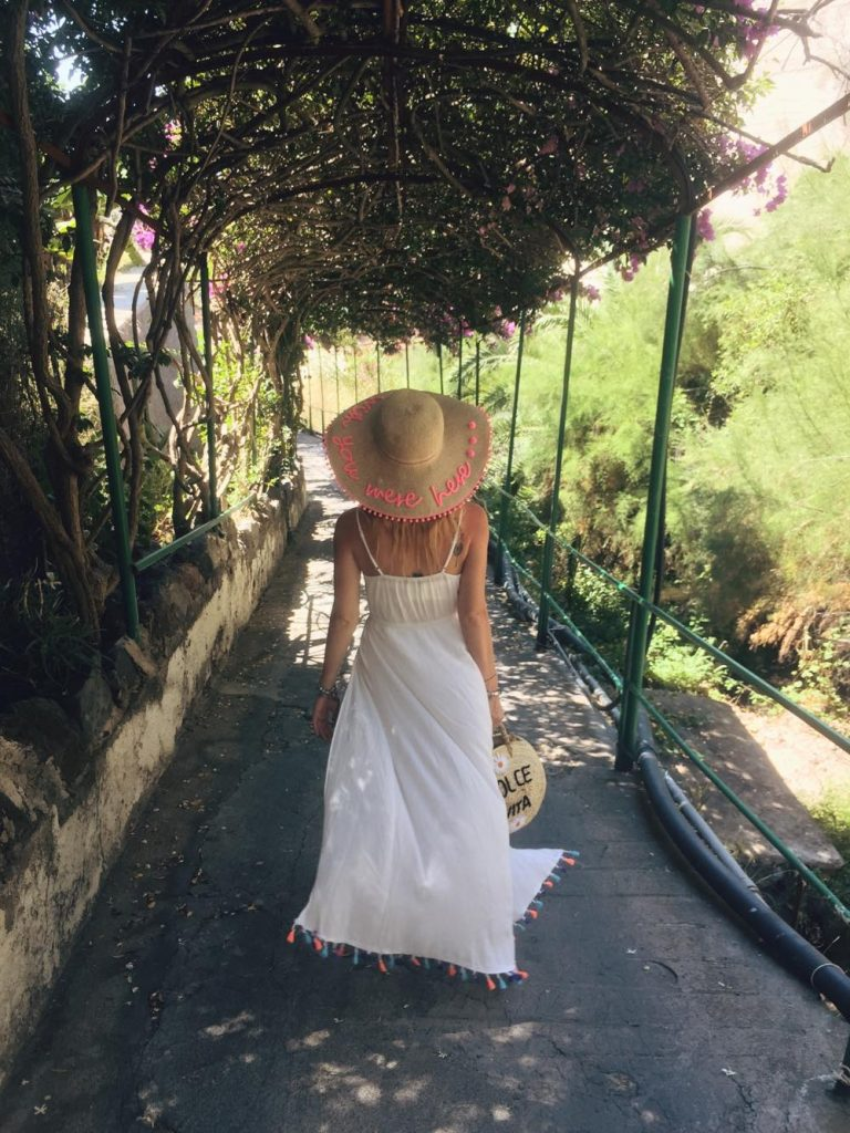 due giorni a Ischia-strada-villa-franz