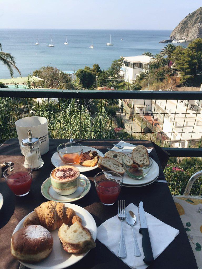 due giorni a Ischia-colazione-villa-franz