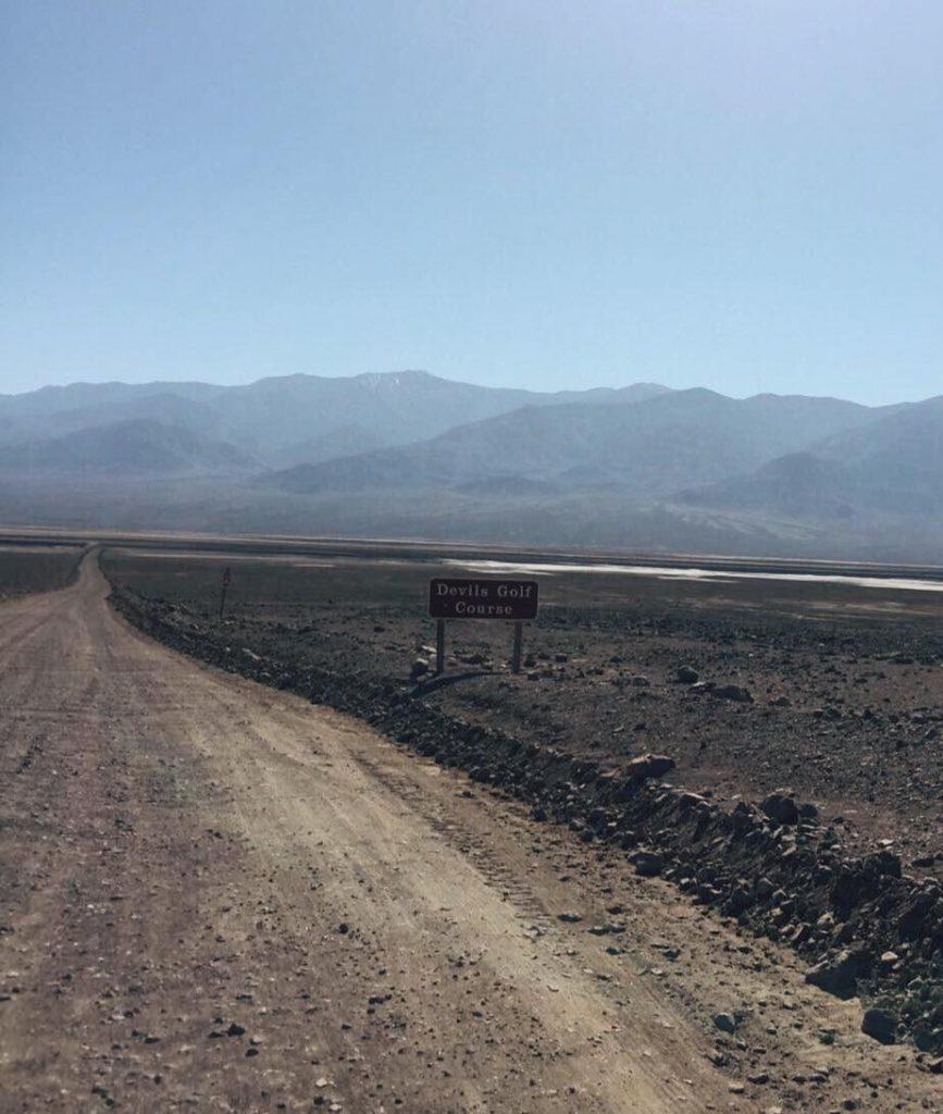 Death Valley in un giorno-insegna-devil's-golf-course