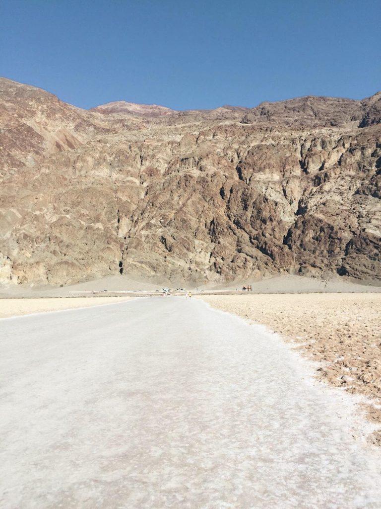 Death Valley in un giorno-badwater-paesaggio-lunare