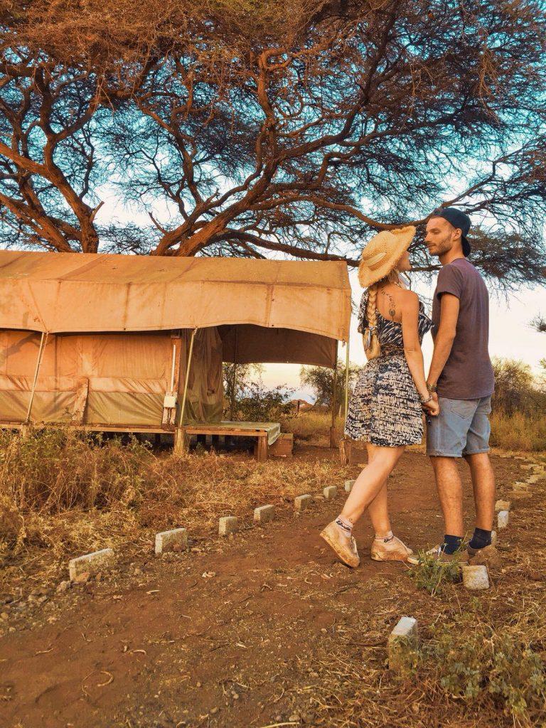 come organizzare un safari in kenya-lodge-esterno