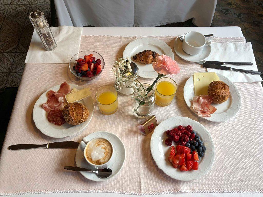 albergo vicino al lago di Carezza-colazione