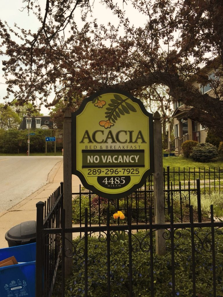 Cascate del Niagara-acacia-insegna