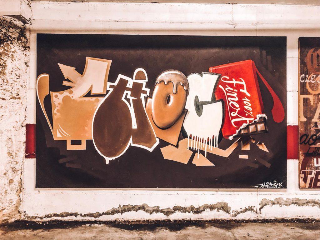 hotel a tema cioccolato-graffito-choco