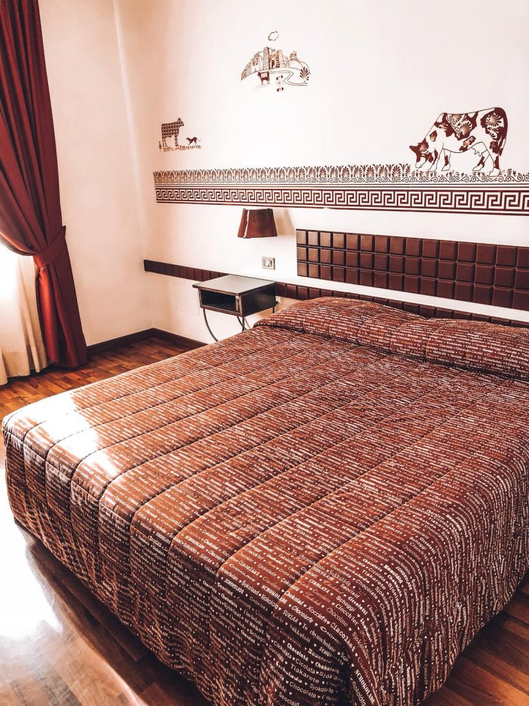 hotel a tema cioccolato-letto