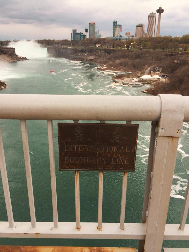 Cascate del Niagara-confine-usa-canada