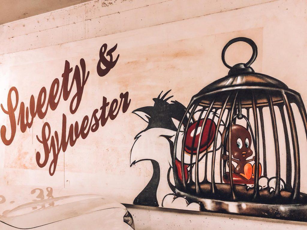hotel a tema cioccolato-graffito