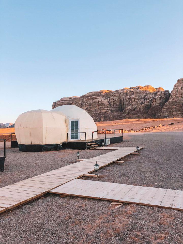dormire in una bolla nel deserto