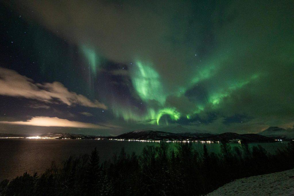 cosa fare alle Lofoten in inverno-aurora-boreale
