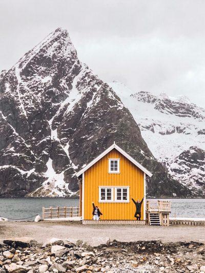 cosa fare alle Lofoten in inverno-casa-gialla