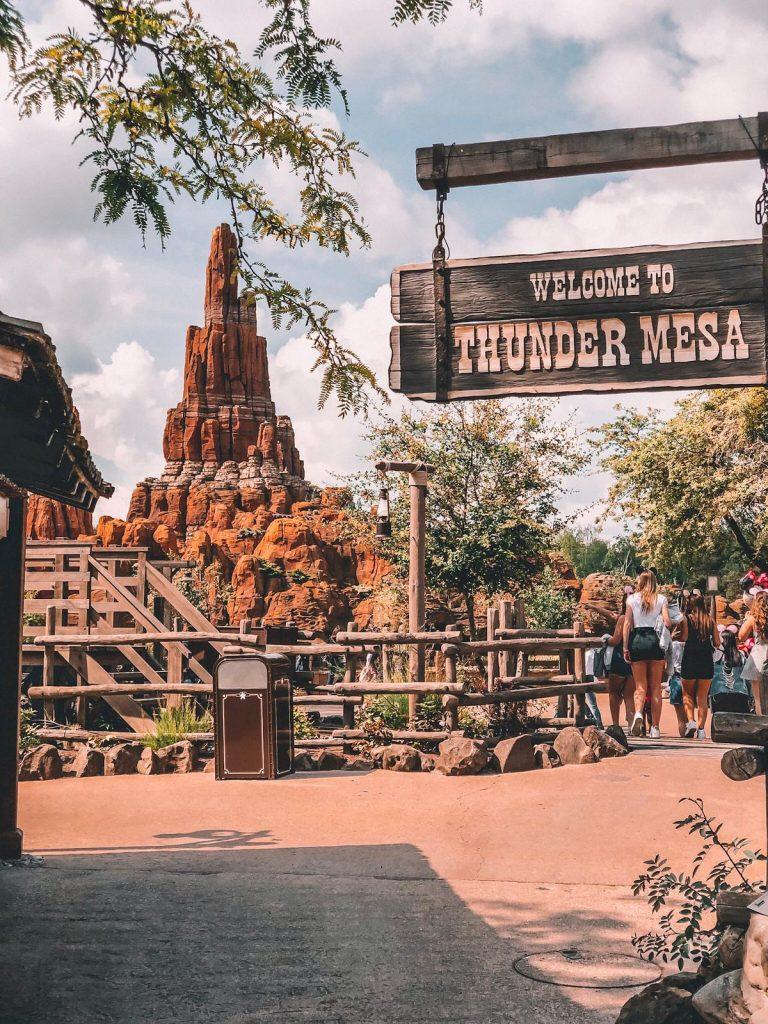 una giornata a Disneyland Paris-montagna-russa-disneyland