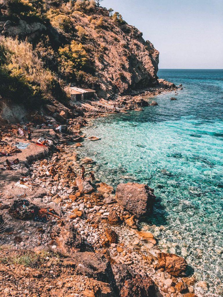 migliori spiagge a Ibiza-cala-xarraca