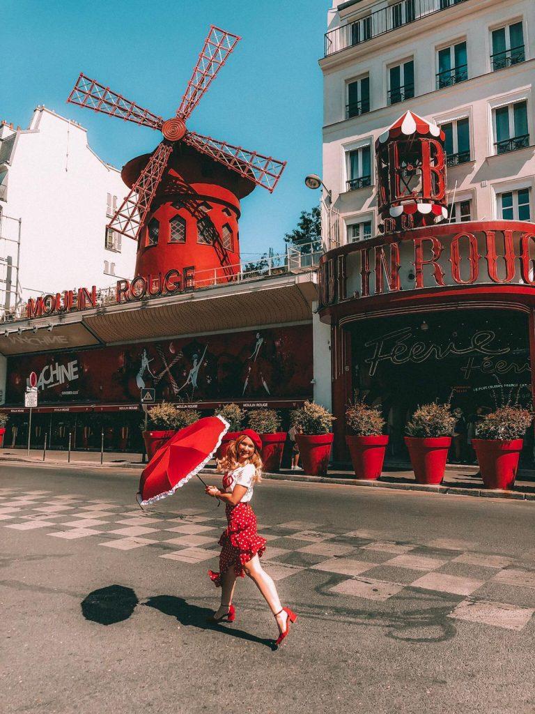 luoghi instagrammabili a Parigi-moulin-rouge