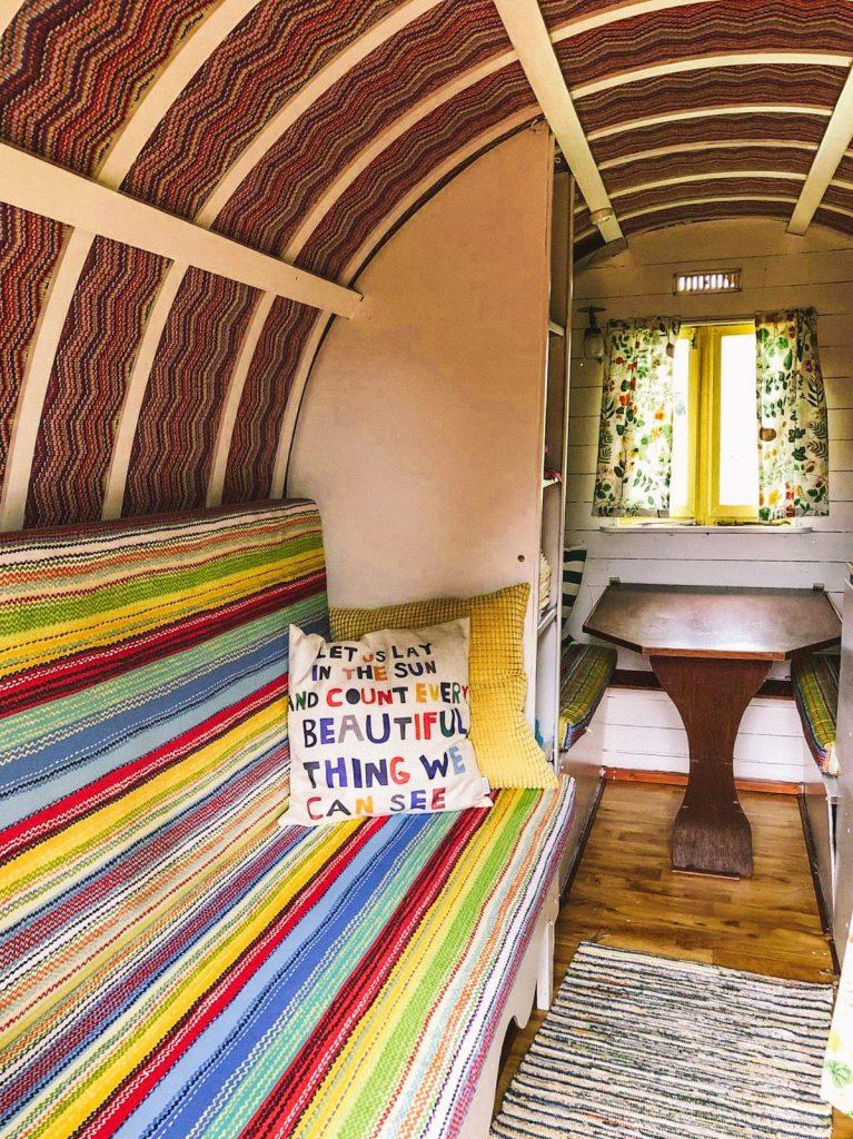 dormire in un caravan-divano-letto
