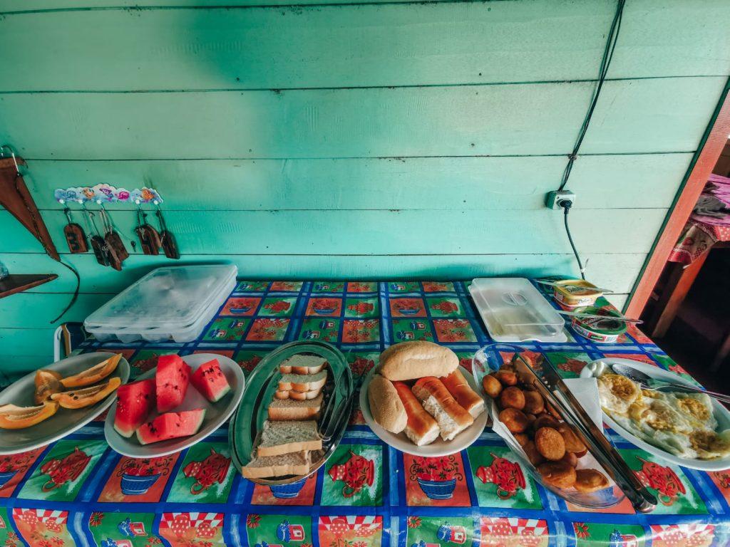 come organizzare un viaggio in Amazzonia-cibo-lodge