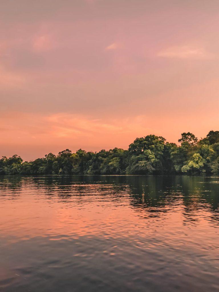 come organizzare un viaggio in Amazzonia-tramonto-amazzonia