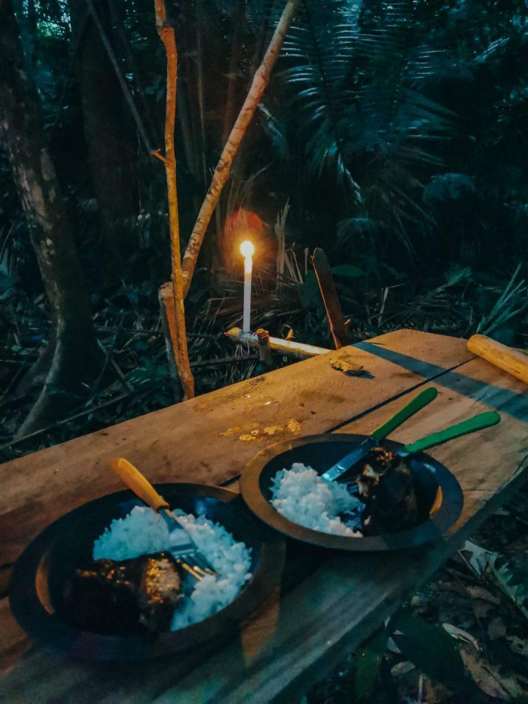 dormire nella foresta amazzonica-cena