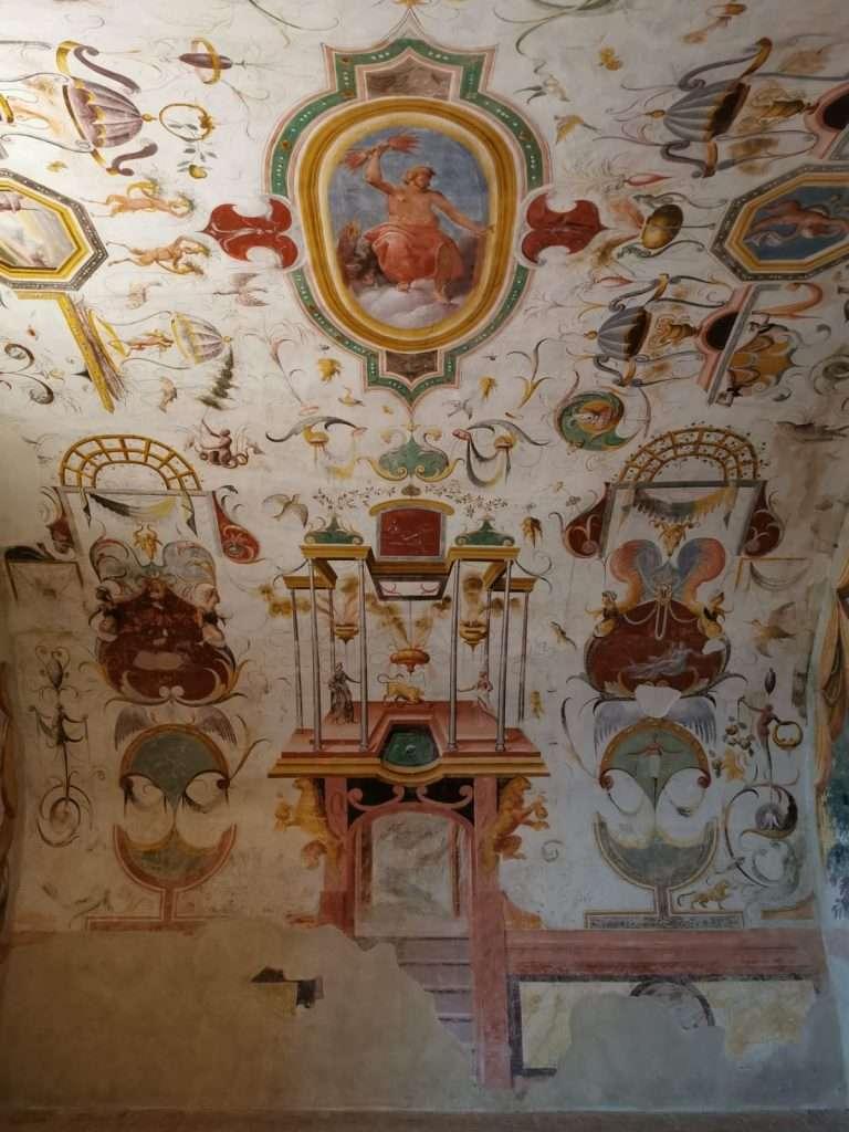 visita al castello di torrechiara-soffitto-castello