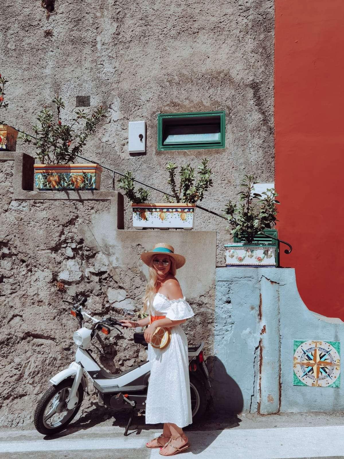 come muoversi in Costiera Amalfitana-motorino