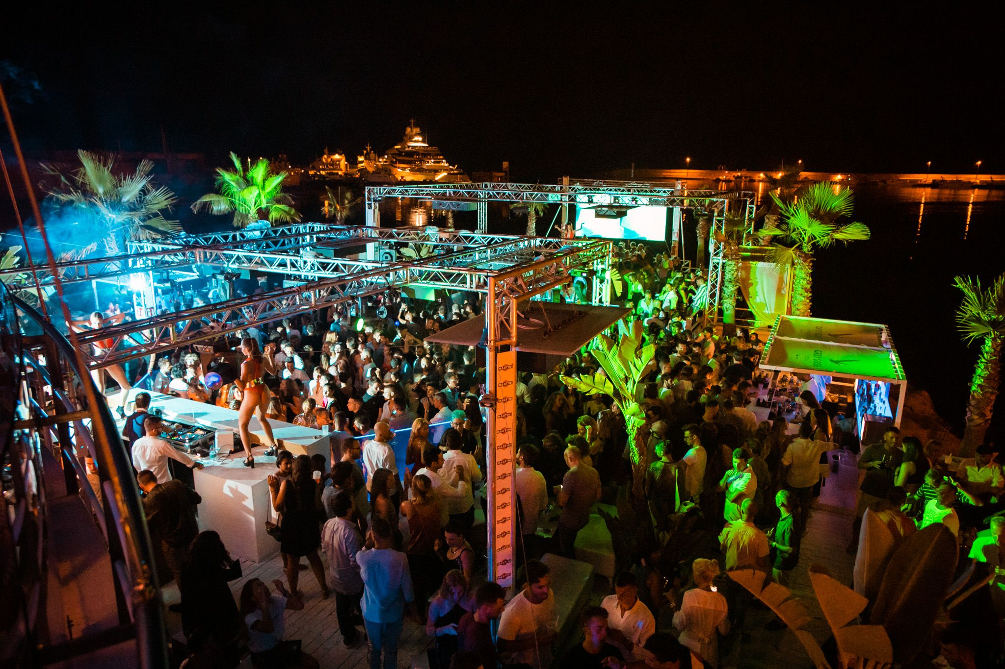 migliori discoteche in Liguria-bay-club-serata