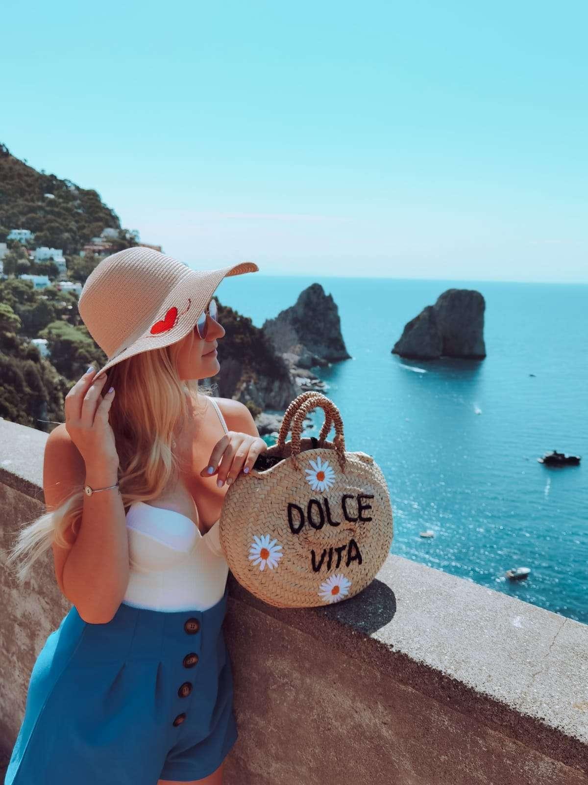 luoghi instagrammabili in Costiera Amalfitana-faraglioni-capri