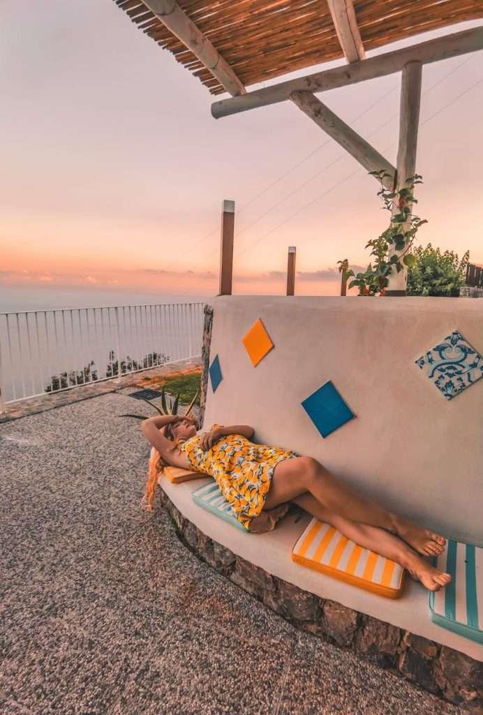 dormire in una cantina-sara-patio